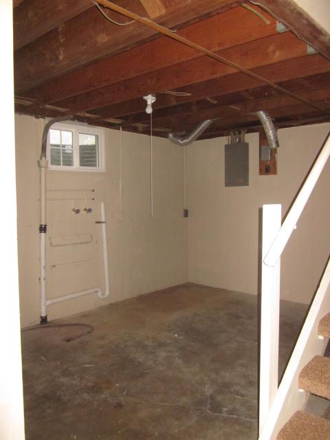 181208 Real Estate Auction 707 Sw Grand Ct Topeka Kansas