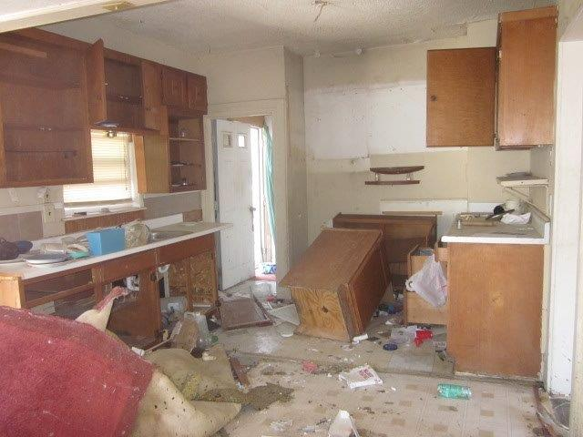 814_SE_13th_06_kitchen