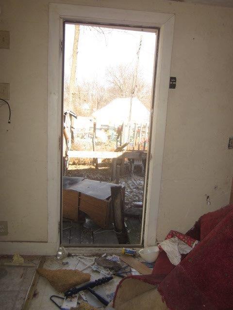 814_SE_13th_07_back_door