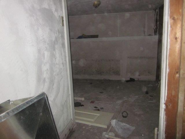 814_SE_13th_11_basement